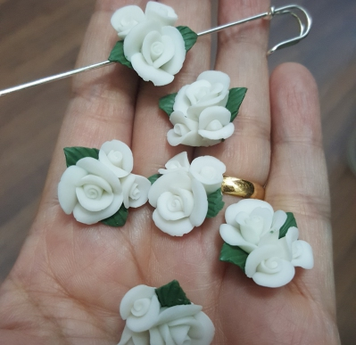 Porcelain Handmade Bead, *Frosted 3D Rose Bouquet, White*
