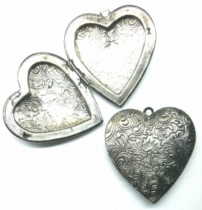 Large Locket Pendant with loop (best quality), Heart-shaped with Doublesided Carved Flower Design, 42mm, *Antique Silver*